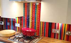 Цветной фартук для кухни
