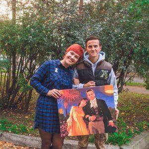 Парень и девушка на картине