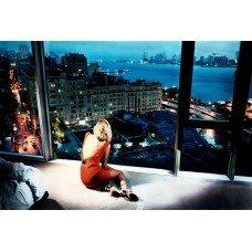 Фотообои - Девушка у окна